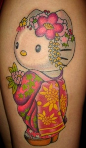 Hello Kitty tatoo, in a feminine traditional Japanese look.
