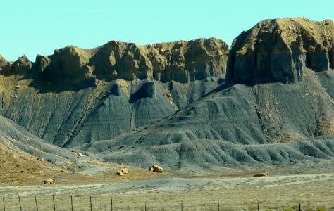 Black rock crumbling, Utah