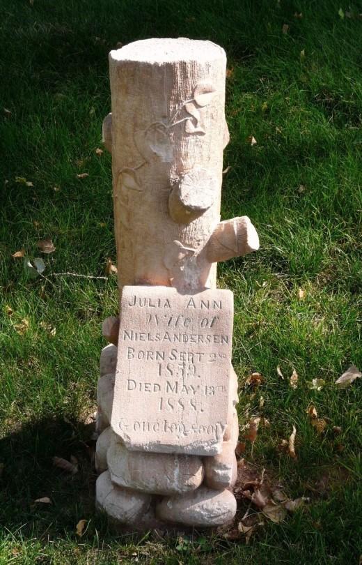 Julia Anderson stump headstone, Richfield, Utah